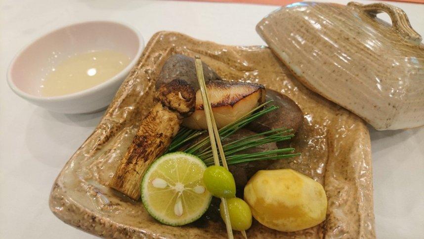 松茸の焙烙焼き