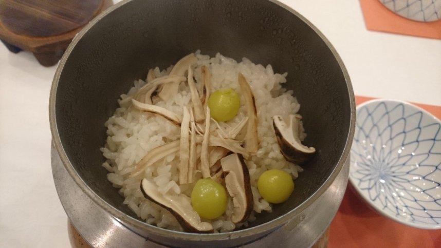 松茸の釜飯